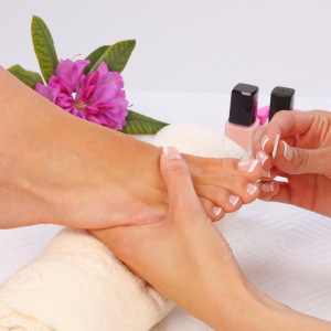 Pedicure with polish
